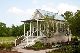 southern living idea house built with moistureshield decking