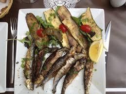 cuisiner des filets de sardines fraiches sardines fraîches et légumes légèrement grillés le plat minceur et