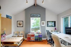 jeux bureau comment combiner bureau élégant et salle de jeux dans une même pièce