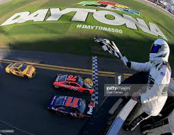 Red Flag Nascar Nascar Sprint Cup Series Daytona 500 Photos And Images Getty Images