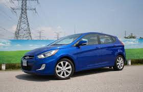 2014 hyundai accent hatchback review car review roundup how the budget hatchbacks stack up driving