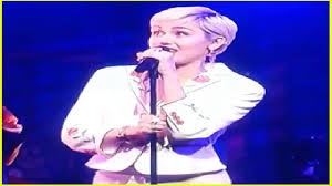thanksgiving song snl miley cyrus covers paul simon on u0027snl 40 u0027 watch now video