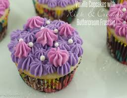 Cupcake Canisters For Kitchen Cupcakes For A Crowd The Chunky Chef