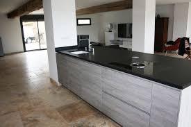 cuisine avec plan de travail en granit plan de travail en granit noir avec plan de travail granit blanc