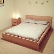 Discontinued Ikea Desk Models Ikea Malm Bed Queen Steigerhouten Planken Op Een Kast Wood On