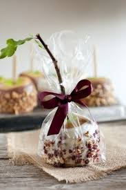 caramel apple party favors caramel apples i the presentation wedding