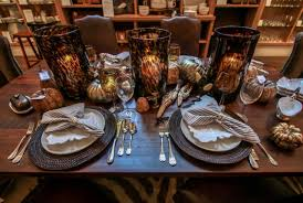 how to create a stylish thanksgiving tablescape