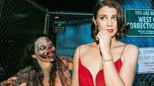 the director halloween horror nights the walking dead u0027s lauren cohan visits halloween horror nights ign