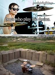 Just Girly Things Memes - 22 just girly things paired with heartbreaking just war things