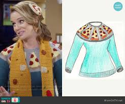 sweater house wornontv kimmy s pizza sweater scarf and hair clip on fuller