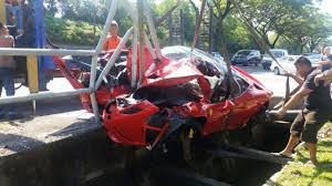 lamborghini aventador split in half lamborghini crash split in half