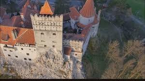 airbnb dracula dracula u0027s transylvanian castle hosts 2 canadians staying overnight