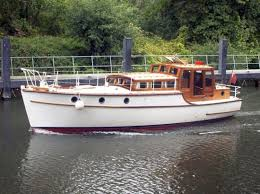 River Thames Boat Brokers   the river thames guide boats for sale boat brokers thelmarie