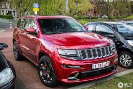 jeep grand cherokee srt red jeep grand cherokee srt 8 2013 22 april 2017 autogespot