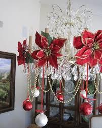Christmas Table Centerpiece Ideas Uk by Best 25 Christmas Chandelier Decor Ideas On Pinterest Christmas