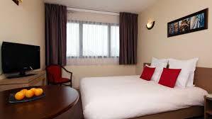 hotel a nimes avec dans la chambre nîmes aparthotel your appart city aparthotel in nîmes