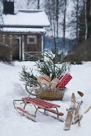 Rustic Outdoor Decor 40 Comfy Rustic Outdoor Christmas Décor Ideas Digsdigs