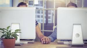 l amour au bureau l amour au bureau le ciel ou l enfer point du jour ici