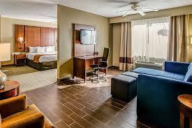 Kentucky Comfort Center Comfort Suites Georgetown 9 0 68 Updated 2017 Prices