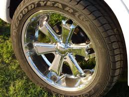 nissan titan wheel bolt pattern goodyear 305 45 tires on liquid metal 22 x 9 5 wheels with a 6x5 5