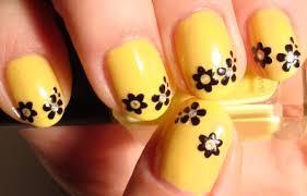 fashion treands 2013 yellow u0026 black nail art design