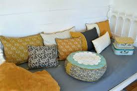 coussin de canape grand coussin pour canape canapee en palette noir coussin colorac