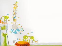 stickers animaux chambre bébé stickers animaux leroy merlin sur un mur blanc de chambre bébé