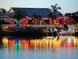Outdoor Colored Christmas Lights by Buyers Guide For The Best Outdoor Christmas Lighting Diy