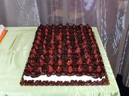 wedding sheet cake bonnie belles pastries wedding cakes strawberry choc sheet cake