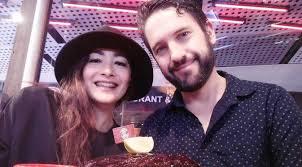 intip kemesraan dewi rezer dengan pacar barunya showbiz liputan6 com