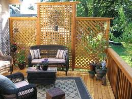Backyard Privacy Screen Ideas by Lattice Provides Excellent Screening For Your Backyard Back Deck