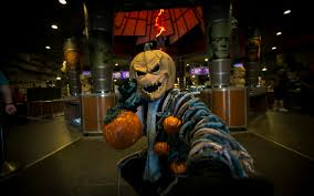 halloween horror nights videos universal orlando close up halloween horror nights u0027 scareactor
