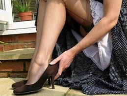 人妻スリチラ無料画像|79 | スリップ姿が好きな人のための場所 | Unterrock, Chiffon ...