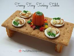 Thanksgiving Table Ideas by Teeny Tiny Turkey Table Party Pinching
