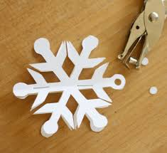 easy 3d snowflake ornaments
