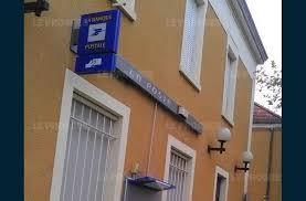 ouverture bureaux de poste sathonay c la poste va diminuer ses horaires d ouverture