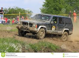 muddy jeep cherokee jeep offroad race royalty free stock photography image 2464687