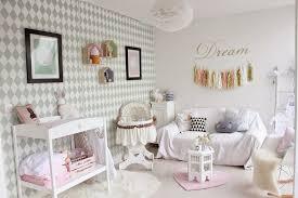 préparer chambre bébé idée décoration chambre bébé lui préparer un nid douillet