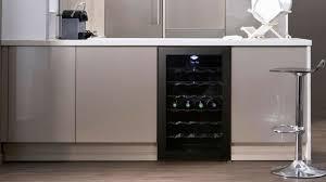 cuisine avec cave a vin 3 conseils pour entreposer le vin dans la cuisine
