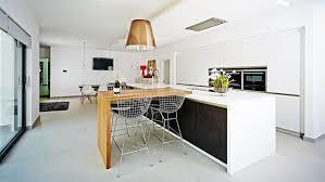 table ilot cuisine haute table haute ilot central cuisine avec ilot central et