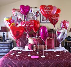 Valentine S Day Table Decorations by Ideas Valentine U0027s Day Decoration In Gorgeous Bedroom Shocking Red