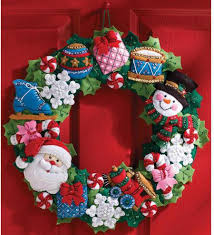 bucilla toys wreath felt applique kit 86363