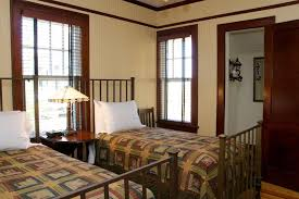 1940 homes interior twin beds bedroom at croatan cottage hooked on houses