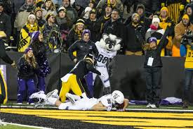 Iowa How Long Does It Take For Mail To Travel images Iowa gives northwestern a trip to indianapolis the daily iowan jpg