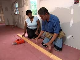 How To Lay Laminate Flooring In Multiple Rooms How To Install Bamboo Plank Flooring How Tos Diy