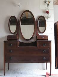 Mirrored Desk Vanity Bedroom Furniture Bedroom Vanity Wall Mirrors Mirror Finish