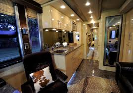 look kellie pickler u0027s tour bus from gac u0027s celebrity motor homes