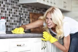 küche putzen 9 fehler die jeder beim putzen macht und wie du es besser machen