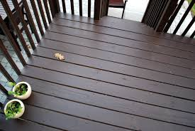 in the little yellow house quick round of stain deck