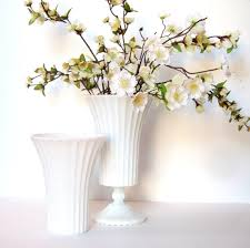 Milk Vases For Centerpieces by 301 Best Milk Glass Images On Pinterest Milk Glass Glass